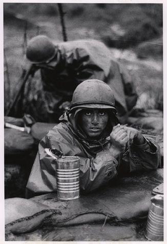 46a717a7690dd36c2195903acbd405ac-vietnam-war-photos-haunting-photos.jpg
