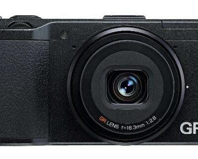 Ricoh GR Appareil Photo Numérique 16.9 Mpix, obj 28mm f2.8, video full HD @ Amazon