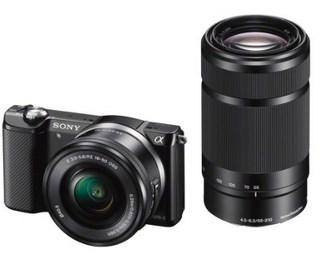 Sony A5000 + objectifs 16-50 et 55-210mm 429€ @ Amazon