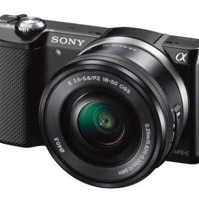 Sony A5000 + Objectif 16-50 @ Amazon.co.uk