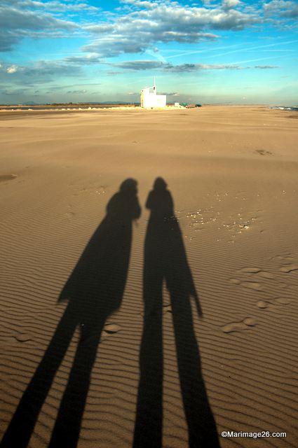 Allongées sur le sable