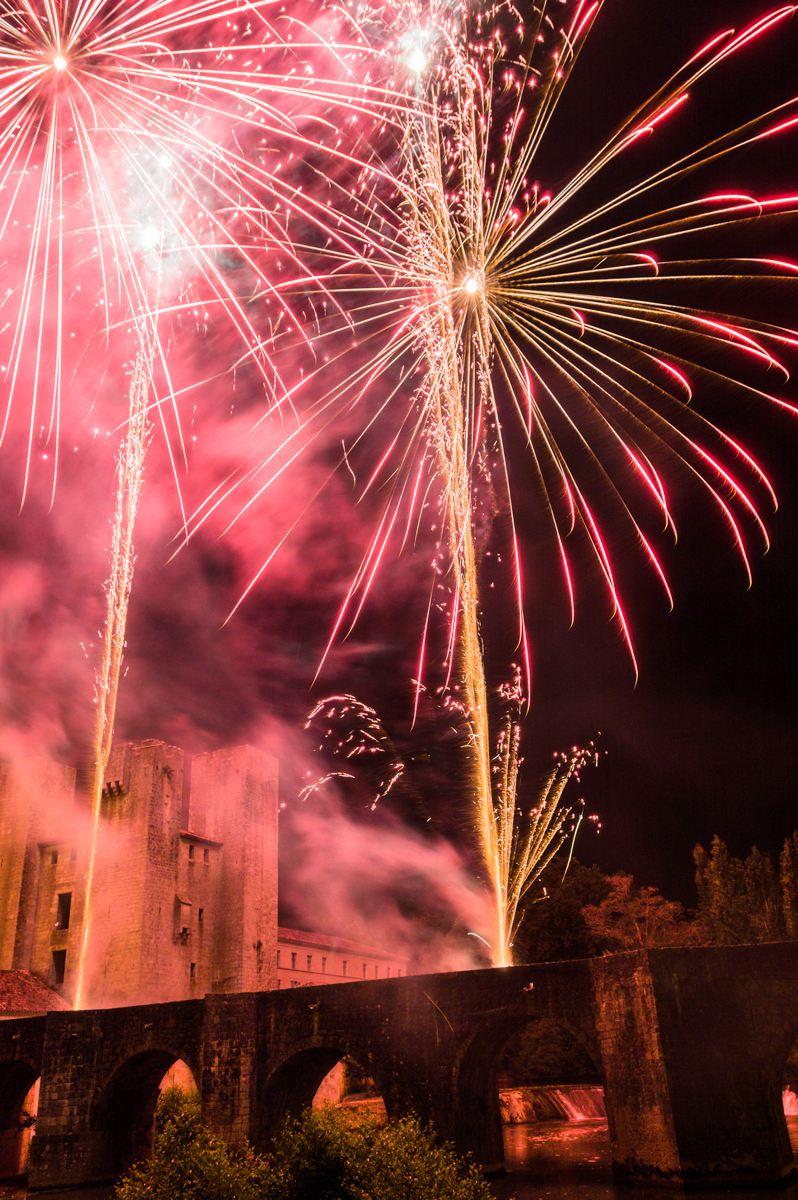 Concours Photo - Feux d'artifices et paysages - embrasement du Moulin des Tours par miles
