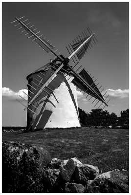 Moulin Breton ..