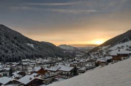 couché de soleil dans la vallée