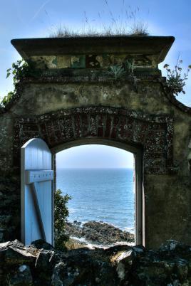 Porte sur l'océan
