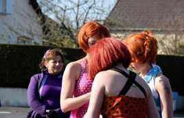 3 jeunes filles rousses