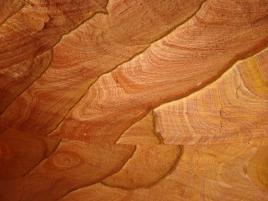 Quand la pierre imite le bois