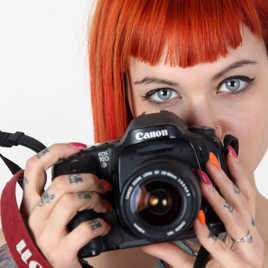 April, photographe