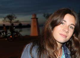 Le phare et la jeune fille