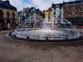 Une fontaine qui attire l'attention