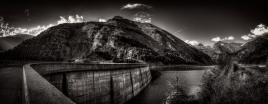 Digue de la Val Malvaglia au Tessin (CH)