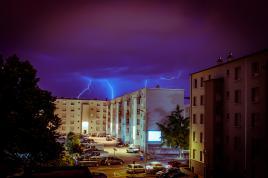 Lightnings over the blocks