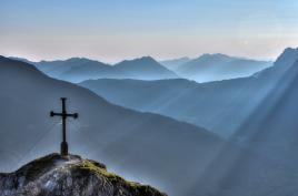 Heaven's Not Enough - Vers la Lumière