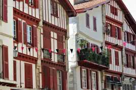 """La maison basque """"Etxe"""" en basque"""