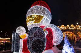 Le Père Noël et son manège