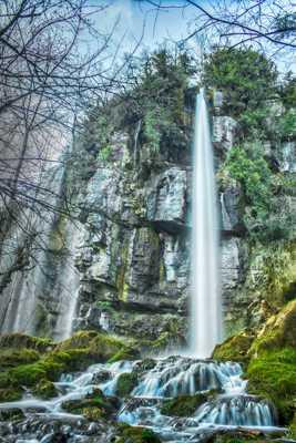Aux pieds de la cascade