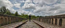 Seul sur la voie