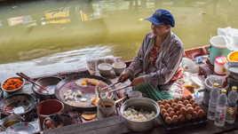 Marché flottant de Wat Sapan.