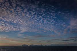 En route vers les fjords de Norvège : coucher de soleil en haute mer