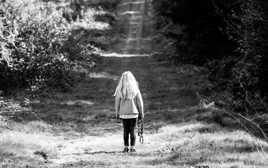 seul sur le chemin