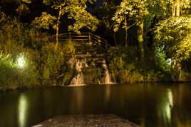 Cascade de nuit
