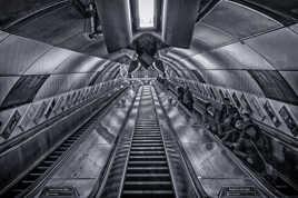 L'Escalier FUTURISTE