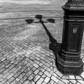 A l'ombre du lampadaire