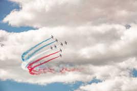 Dans le ciel du Bourget, quand la Patrouille de France fait son numéro
