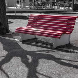 Banc public rouge