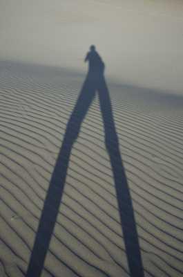 Silouhette dans le desert