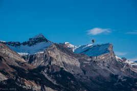 Montgolfière au dessus de la vallée de l'arve