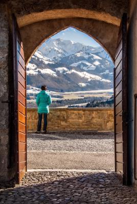 La porte est une ouverture