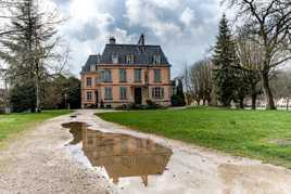 Audincourt. Le Chateau (Nikon 28 mm décentrement)