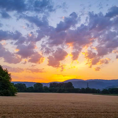 Lever de soleil au dessus d Ambérieu en bugey par brj01