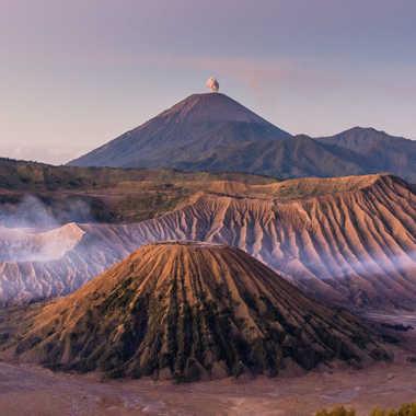 Lever de soleil sur le volcan Bromo par Galby