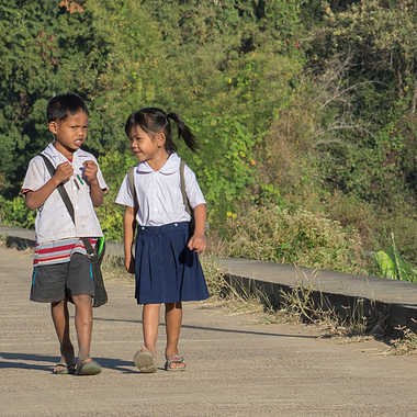 Sur le chemin de l'école par patrick69220