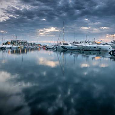 Réveil au port d'Antibes. par Franck06