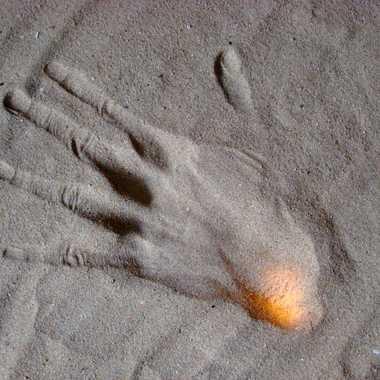 main droite par Roturier