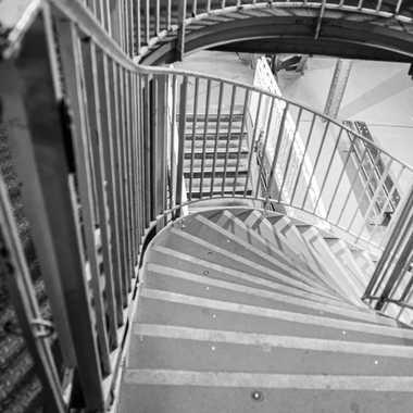 Escalier de la Tour Eiffel par liliplouf