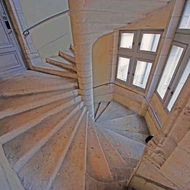 Escalier à vis maison de l'Italien par sunrise