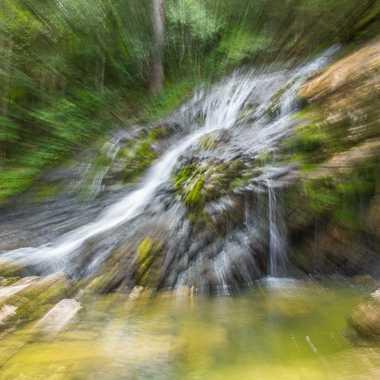 Zoom sur la cascade  par brj01