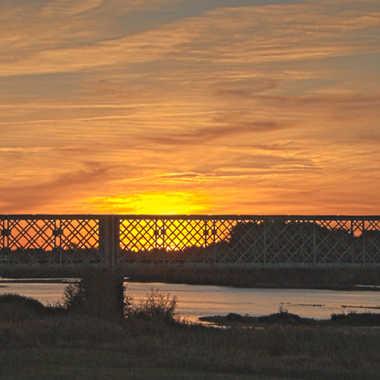 Soleil couchant sur la Loire (Sully) 2 par luctheo