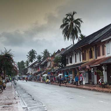 Rue de Luang Prabang après la pluie par patrick69220