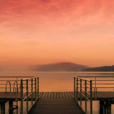 lever du jour sur le lac du Bourget par Pixmalo
