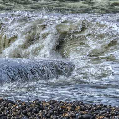 Le ressac d'une mer forte.... par bubu91