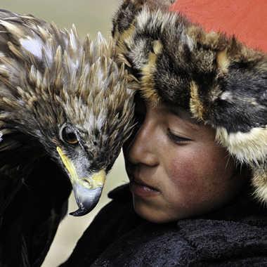 Aigle et enfant par Gaucho