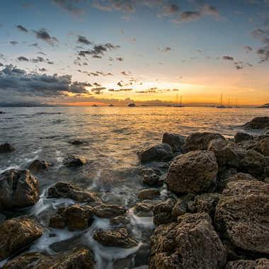 Sunrise sur le vieil Antibes. par Franck06