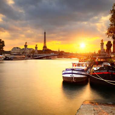 Golden Hour on Alexander 3 Bridge par Photo_amateur78