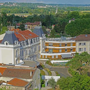 Château de Messimieux par sunrise