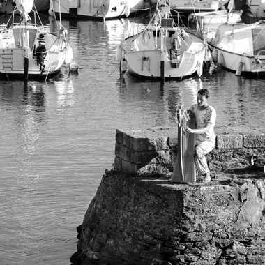 Harpiste et bateaux par mamichat